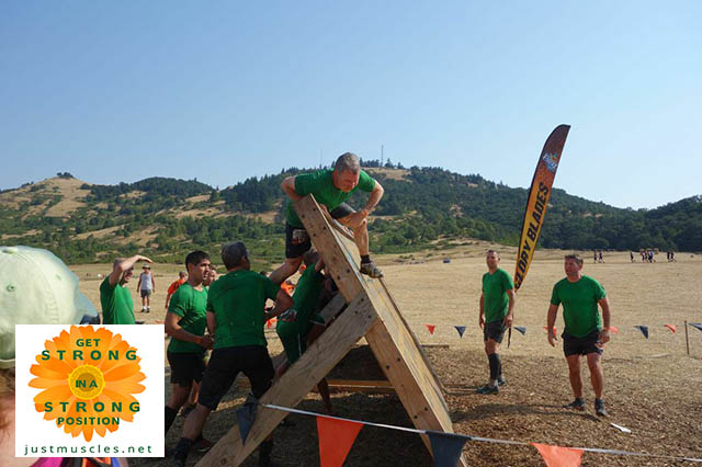 image of obstacle racing team work