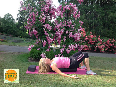 Image of Laura Coleman demonstrating the basic position for foam roller exercises